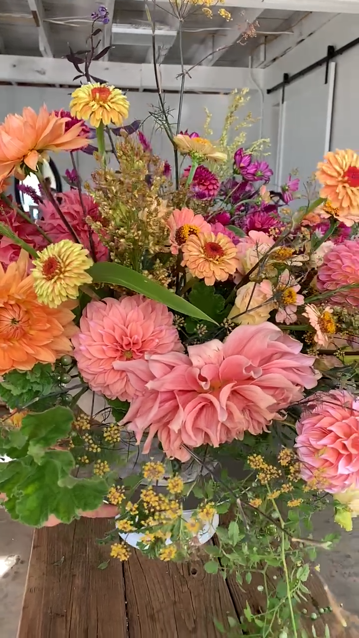Beautiful floral design with incredible colors!
