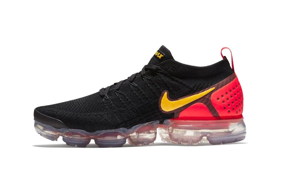 buy popular 1b516 3a634 Nike Air VaporMax Flyknit 2.0 Gets Flashy in