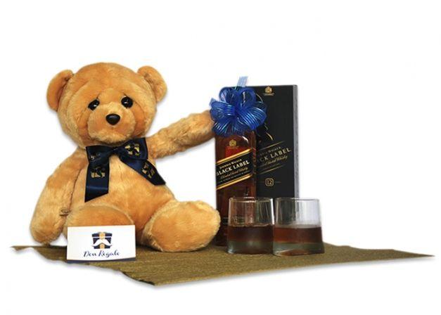 Piensa que en San Valentín él también desea un detalle de amor. Por ello, Don Regalo te ofrece algunas propuestas de regalos para él.