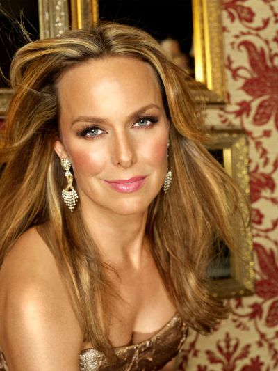 Get glowing skin like Melora Hardin. | Celebrity Glow ...