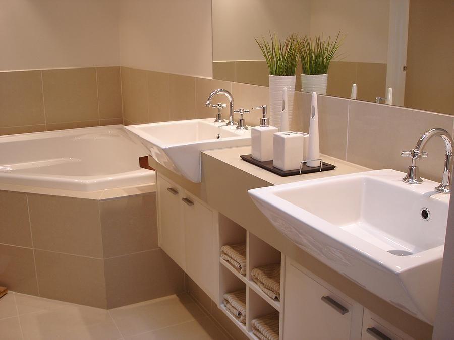 Bathroom The Interesting Design Idea Also White Tub Design Idea Also Tub Design Idea Also Beautiful Style Design Idea The New Design Travertin Gres
