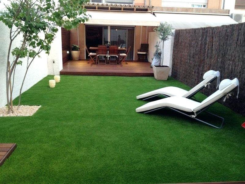 Pin De Angiepwg En Home Sweet Home Jardin Con Cesped Artificial Jardines Jardin De Ladrillo