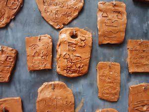 tabletas de arcilla con jeroglíficos - PV