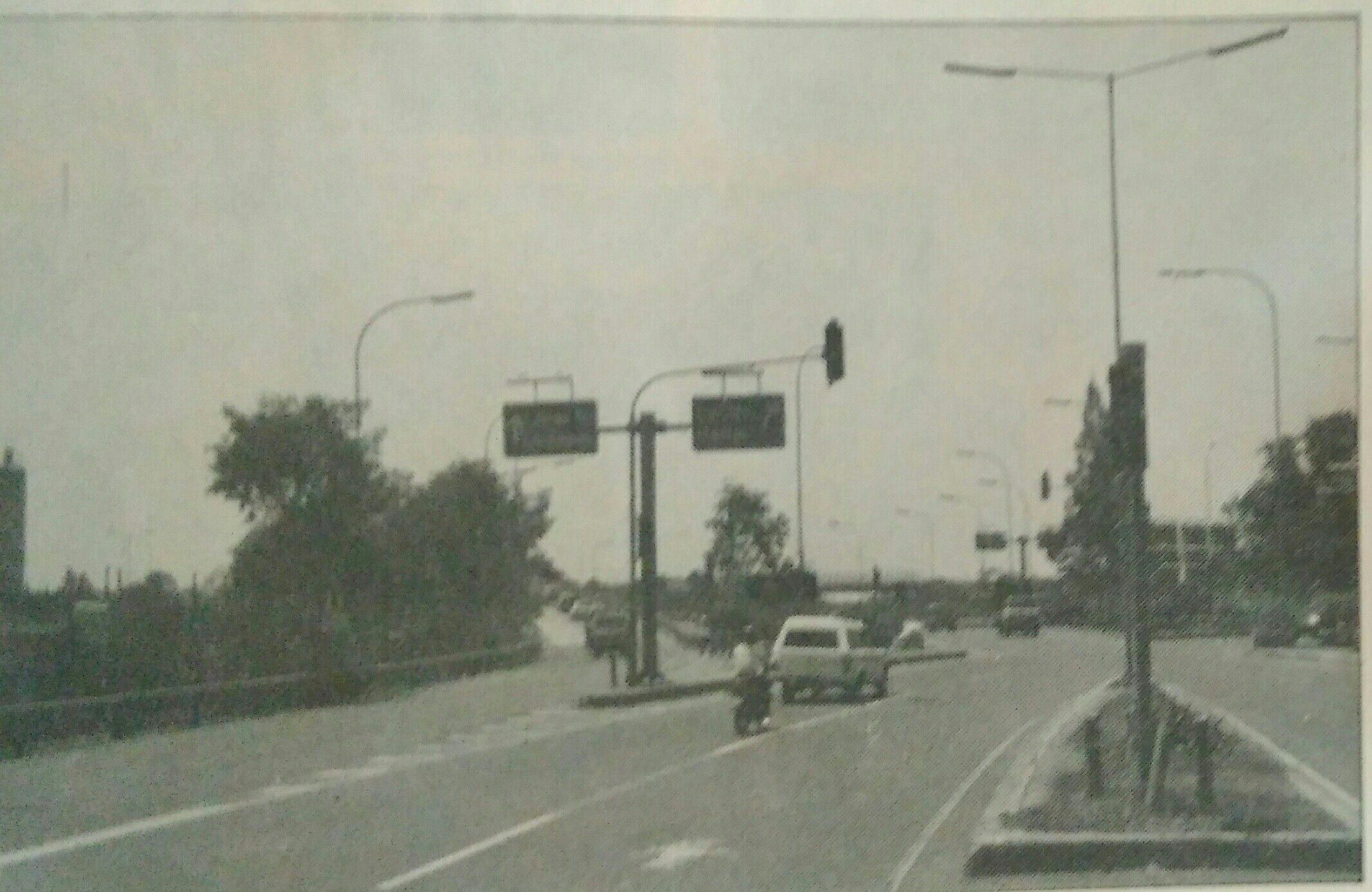 Cawang 1990an Retro, Indonesia