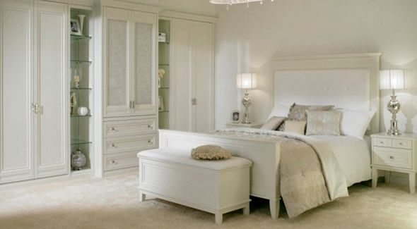 White Room White Furniture. Beach House Bedroom | Minimalist ...