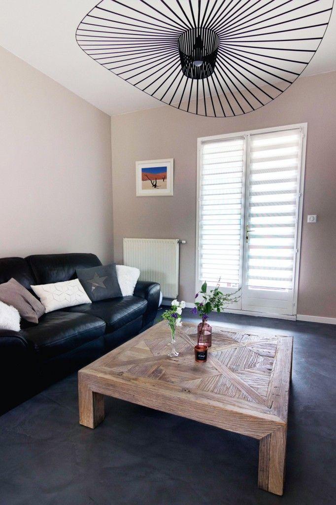 D coration sobre et design sol beton cir gris fonc mati res naturelles brutes salon beige bois - Salon noir et bois ...