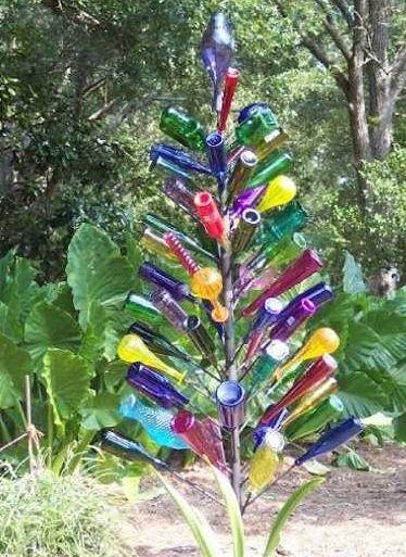 5 hermosas ideas para decorar el jardín con botellas recicladas ...