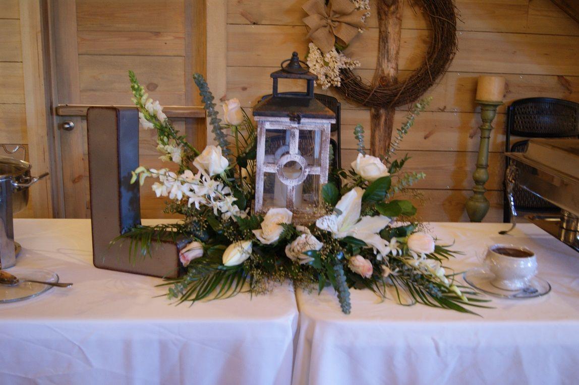 Table setting at The Barn at Lost Creek in Arkansas