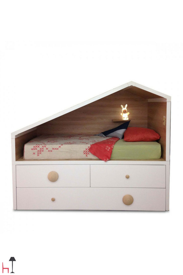 Would you like a bed for your children able to boast a unique design? The Cottage Compacto bed by Lagrama is just what you need.