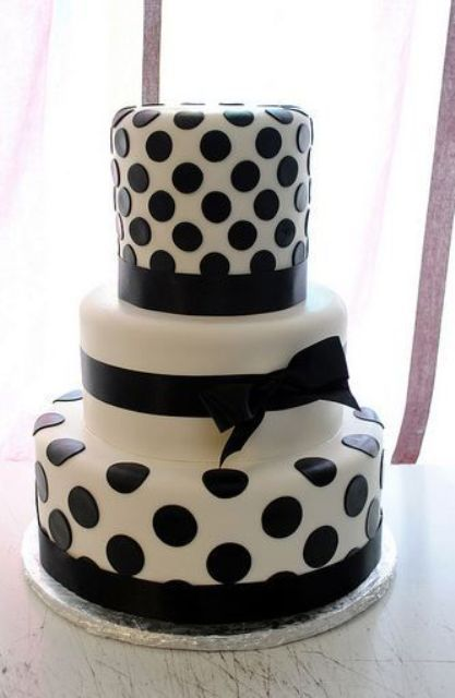 wedding cake with dots cheerful and playful polka dot wedding cakes 26869