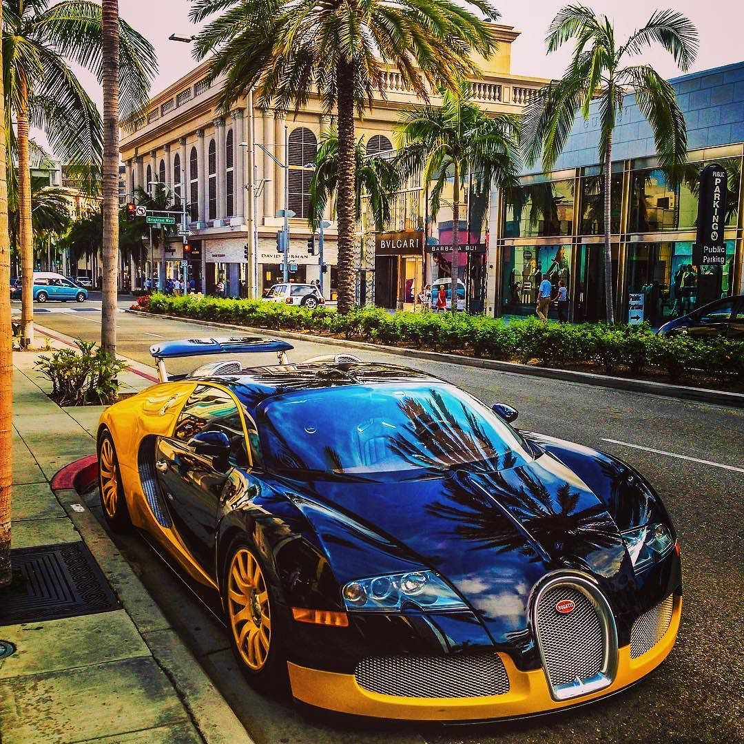 The Late Bijan Pakzadu0027s #Bugatti #Veyron 16.4 Coupe Exhibited In Front Of  The Rodeo Drive Showroom In Beverly Hills.