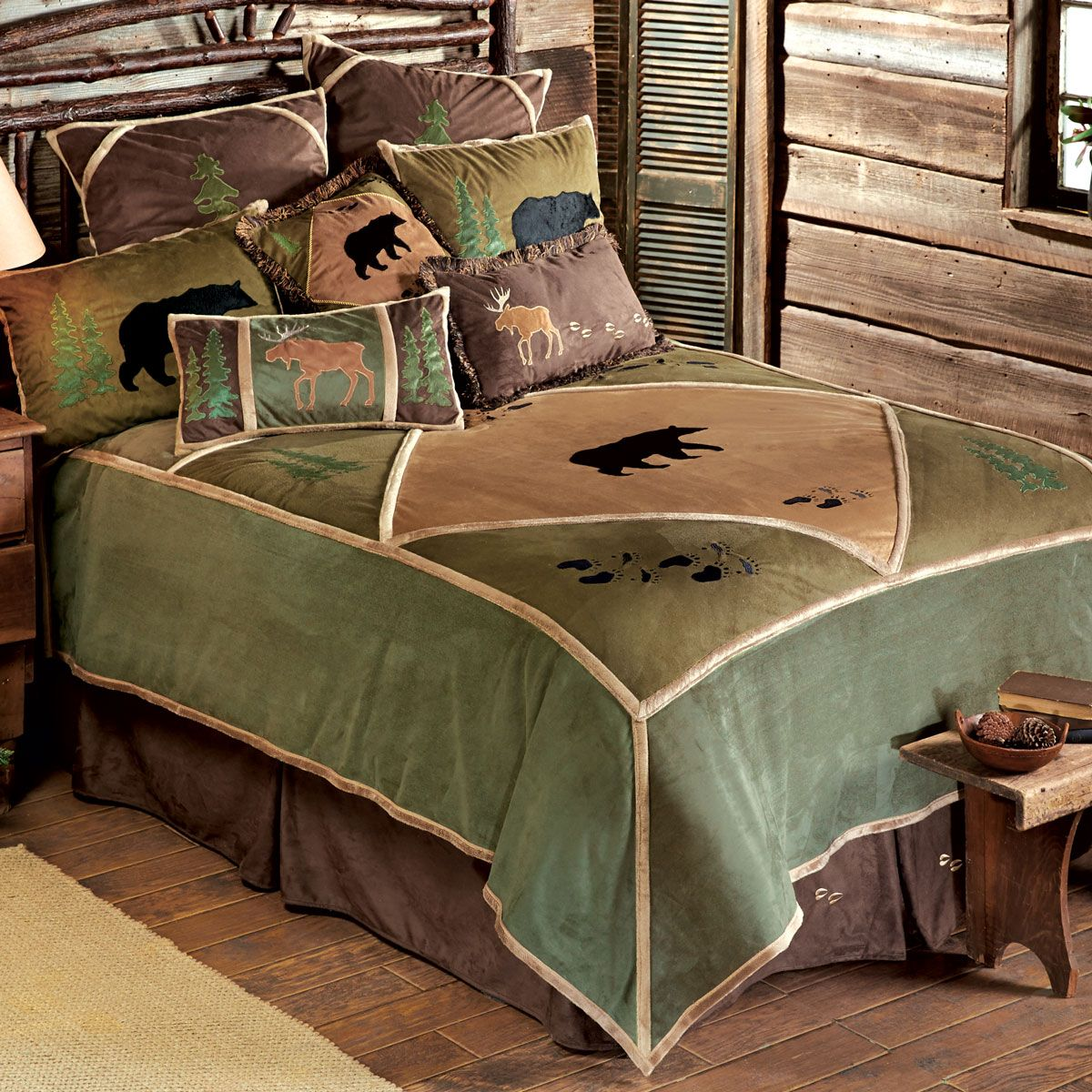 Bear Tracks Wildlife Bed Set King Home decor bedding