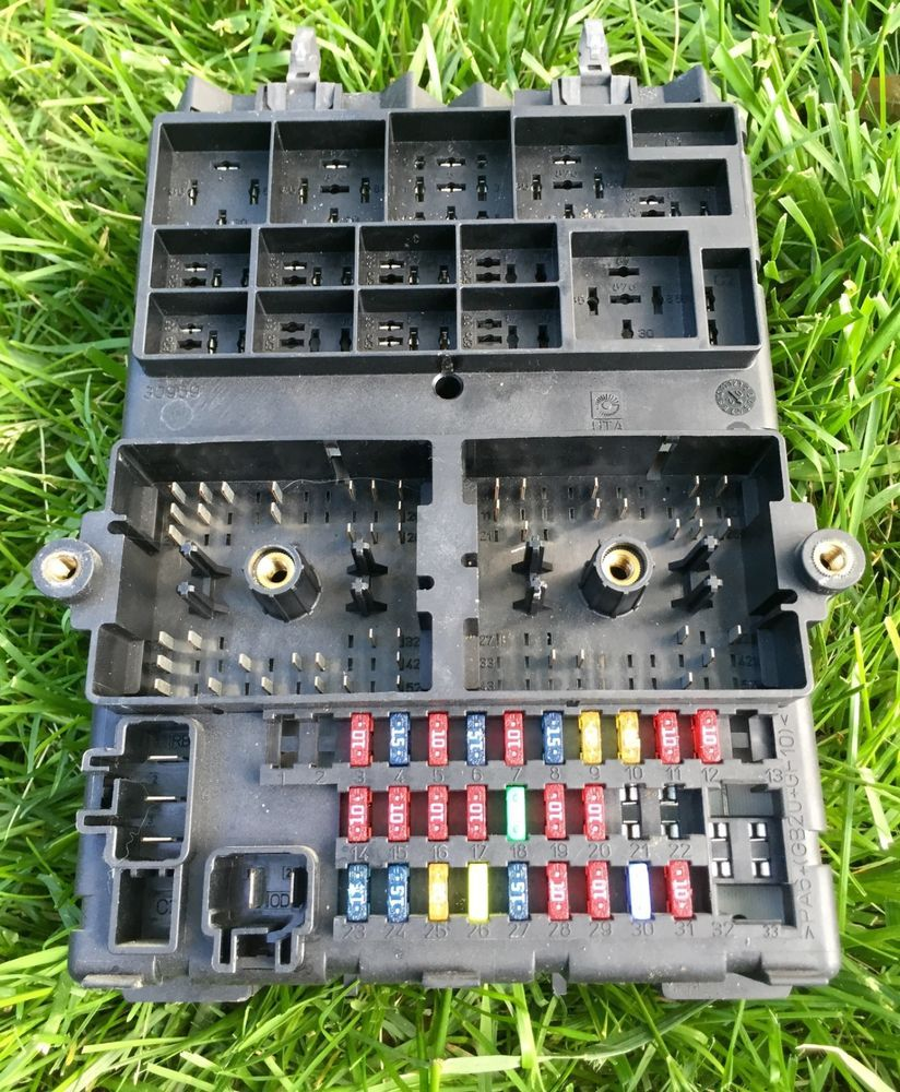 small resolution of 2002 jeep grand cherokee bcm bcu body control module fuse box 56042944af oem oem