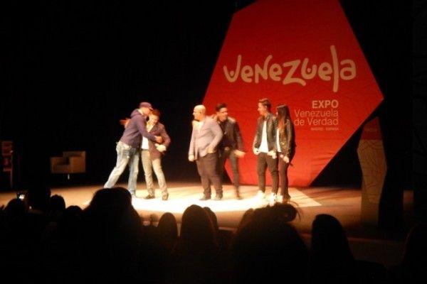 """Venezolanos despiden la """"Expo Venezuela de mentira"""""""