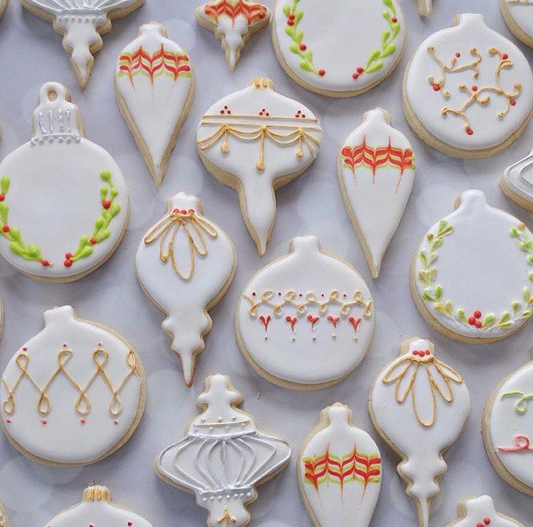 Beautiful, elegant decorated ornament cookies for ...