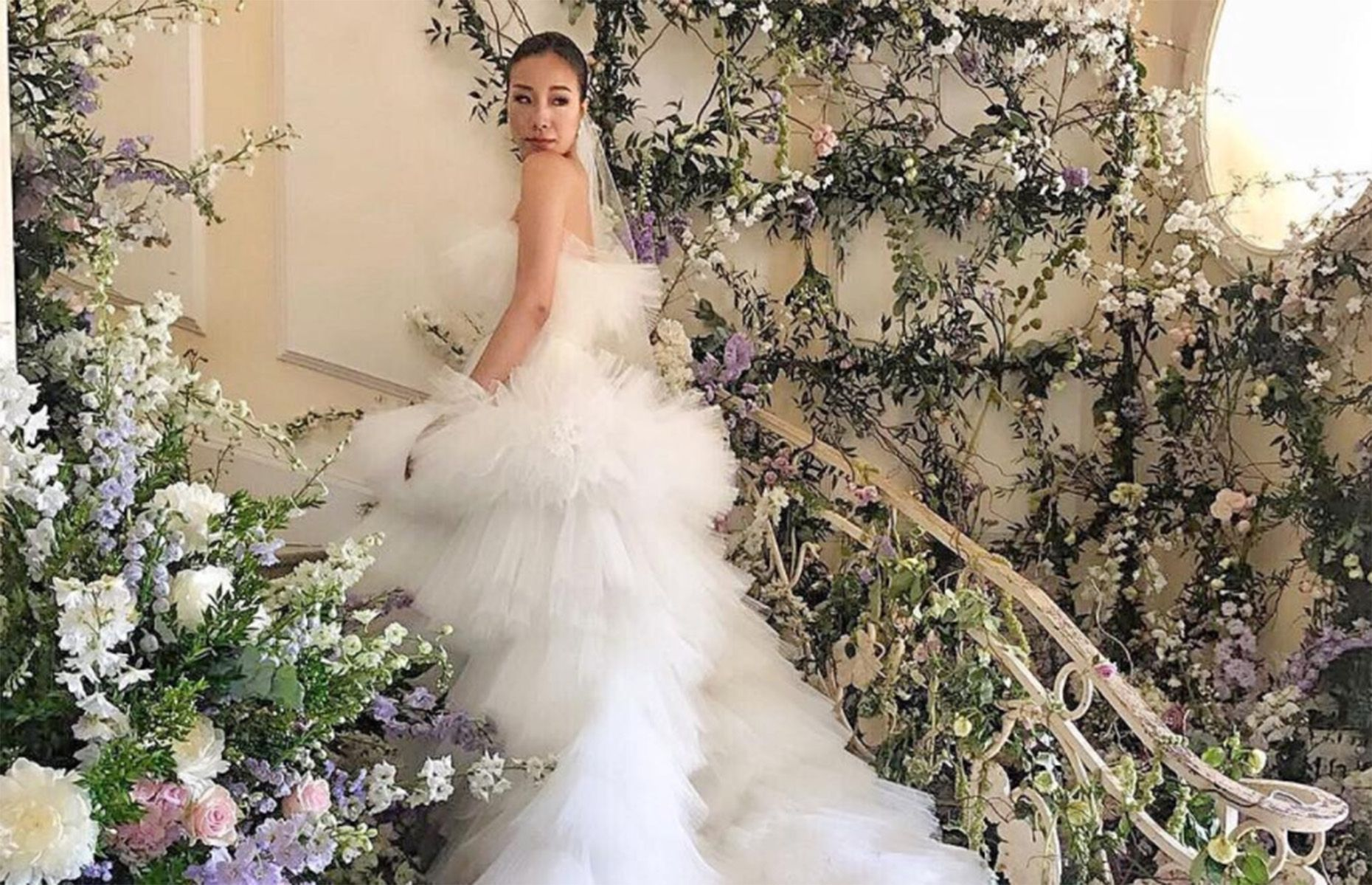 Behold this bride just wore the biggest wedding dress a major