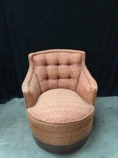 Beau VINTAGE SILVER CRAFT FURNITURE COMPANY SWIVEL CHAIR WITH TUFTED BACK AND  WOOD BASE. THE