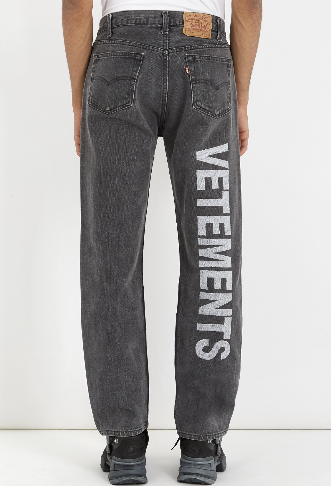 15f653a07e1 VETEMENTS X Levi s logo-embroidered straight-leg jeans from Matches Fashion  (men