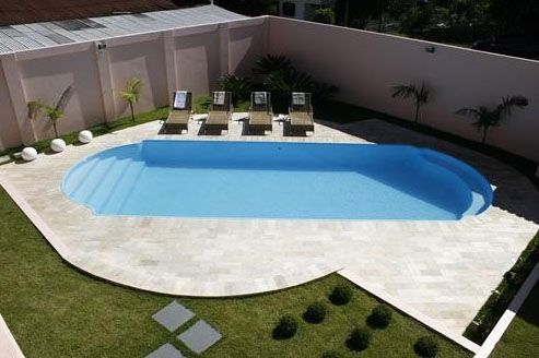 quintal com piscina de fibra - Pesquisa Google Piscinas