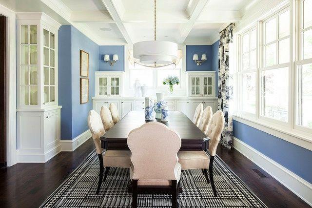 lila blaue Wand zwei teilen weißer Rand Esszimmer einrichten - kuche blaue wande