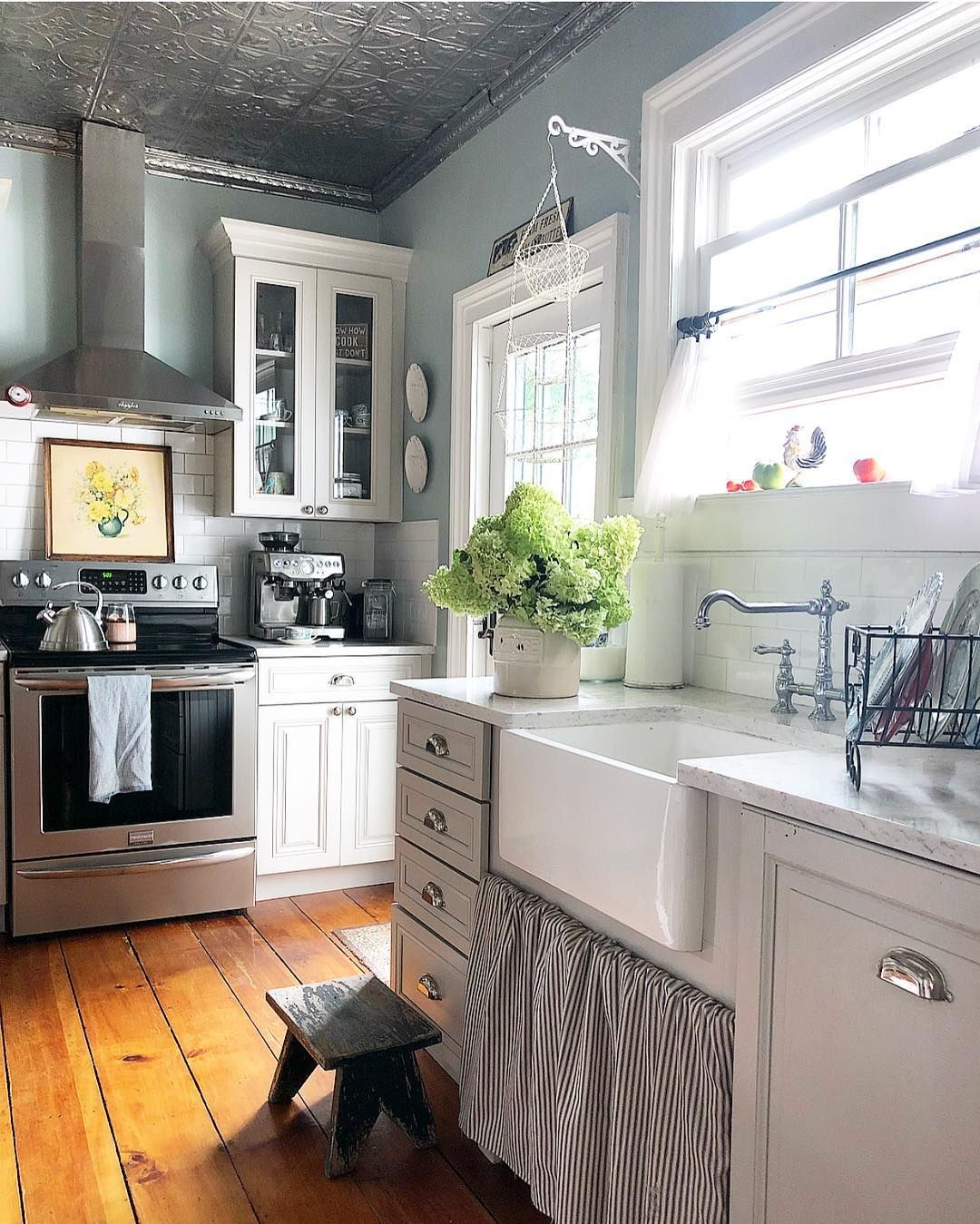 Cabinets Are Sharkley Gray By Martha Stewart Wall Are Beryl By Ms As Well