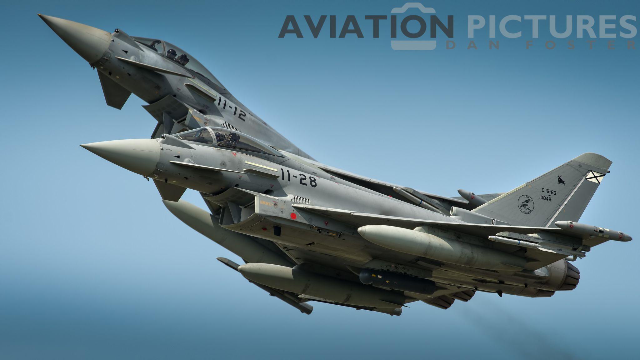 https://flic.kr/p/UDHnwk   Eurofighter pair breaking in the overshoot