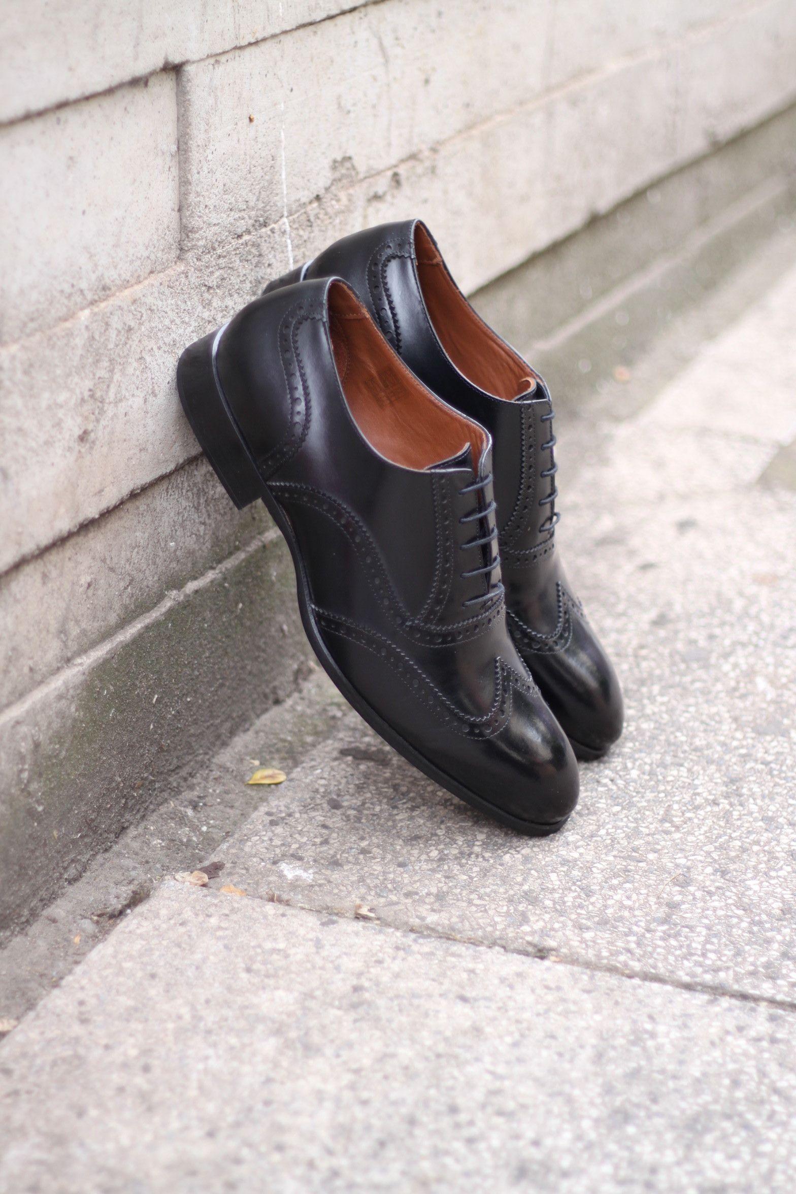 93f6d65974 Sapato Social Masculino Oxford CNS Andrew 02 em Couro preto com sola de  couro e forro em couro.  cns  cnsmais  sapato  social  oxford  brogue   menshoes ...