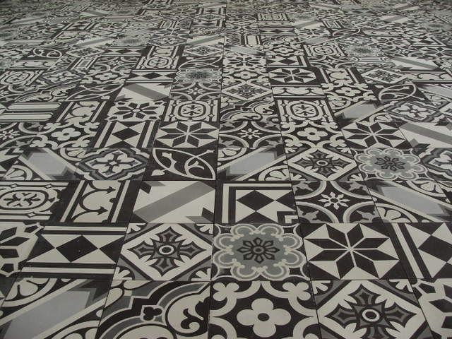 Portugese Tegels Patchwork : Patchwork portugese tegels black and white encaustic floor tiles