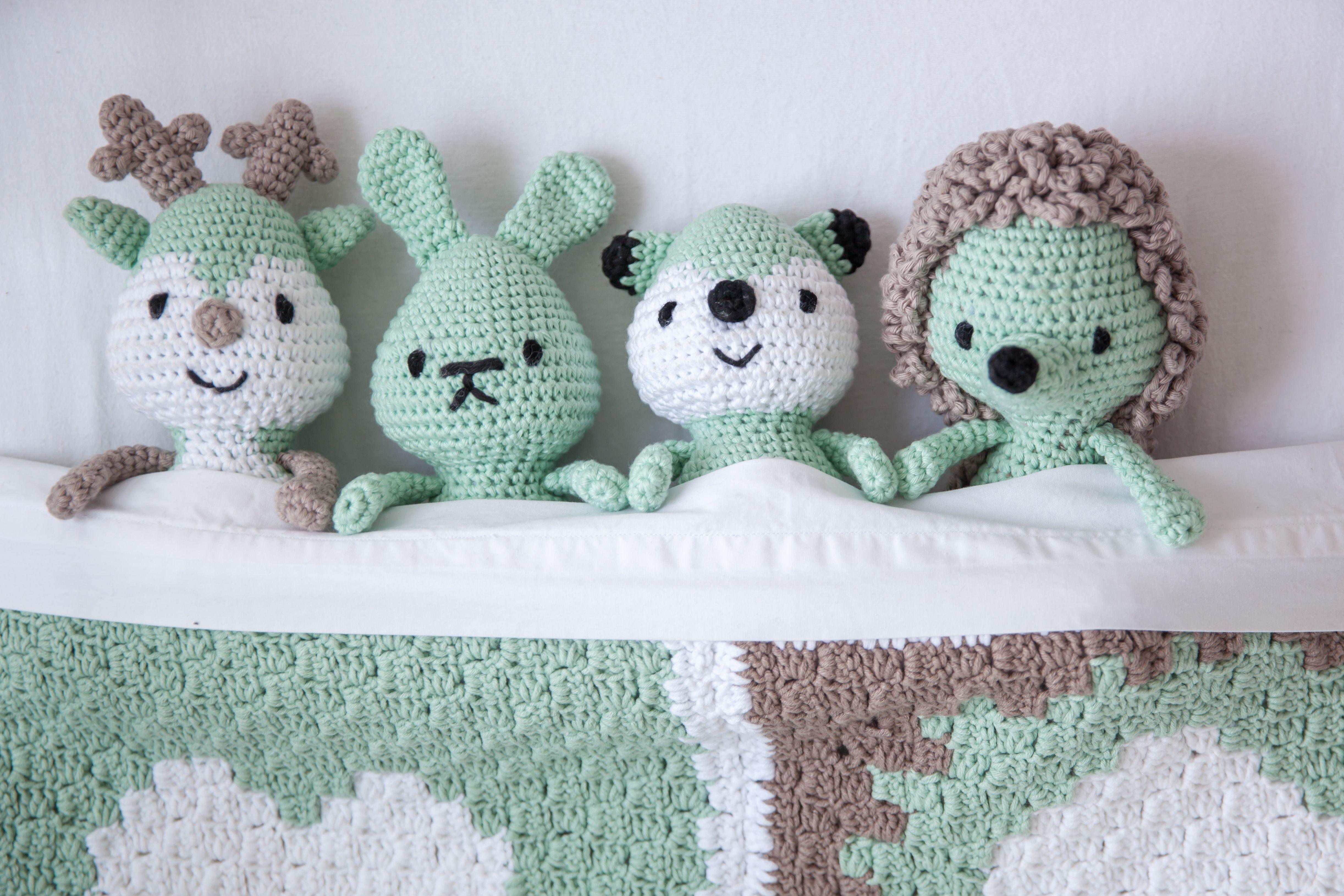 Patrón gratis amigurumi de arlequín | Boneca de crochet, Tricô e ... | 3259x4888