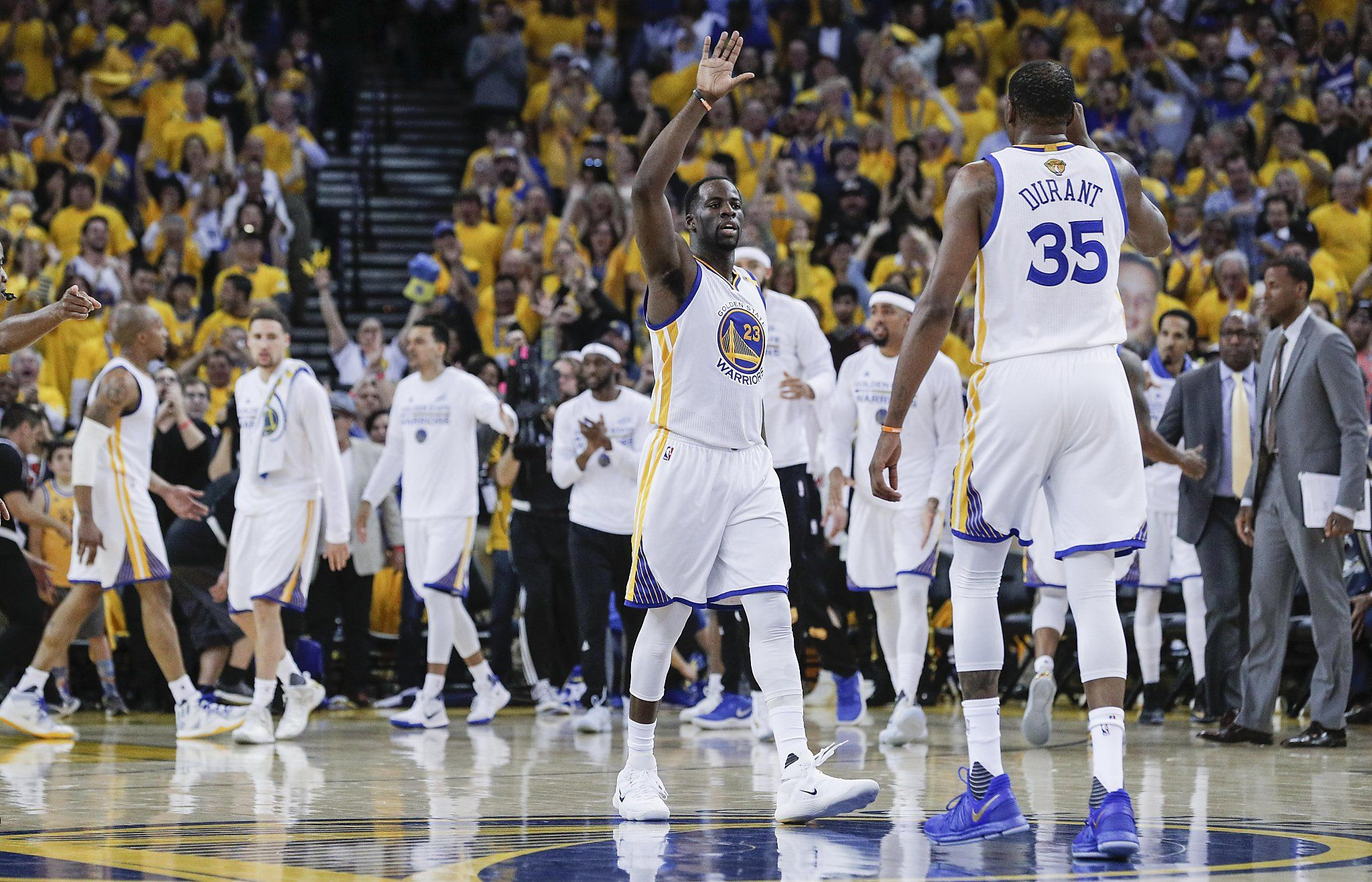 Warriors end charmed season with 2nd title in 3 years