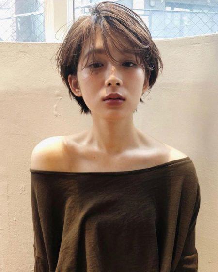 40代のショートヘアスタイル 髪型 面長 丸顔 パーマ Lala Magazine ララマガジン アジア人 ショートヘア ヘアスタイリング 韓国のショートヘア