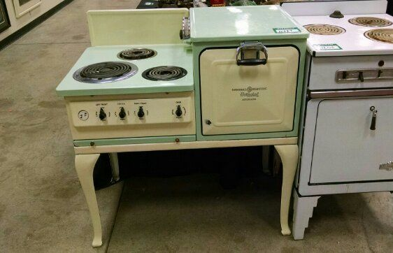 1930 S Ge Hotpoint Stove Vintage Stoves Antique Stove Old Stove