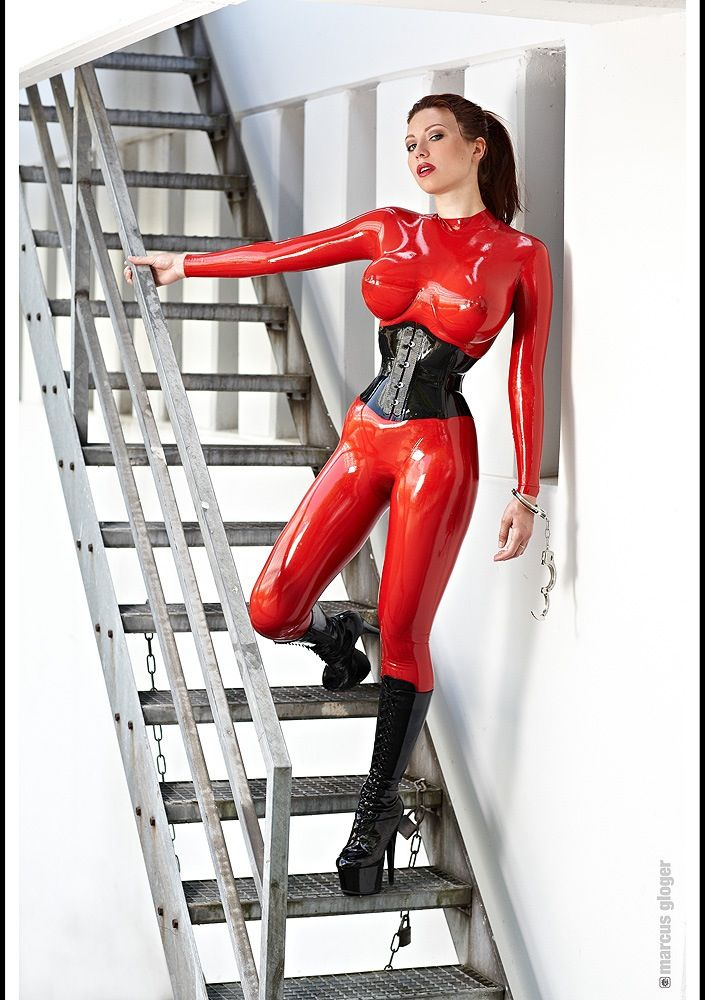 Sexy girl latex bondage-4202