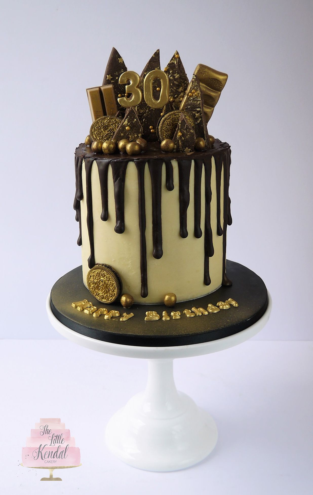 Chocolate And Gold Drip Cake In 2019 Chocolate Drip Cake