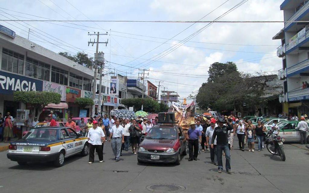 Protestan en Juchitán por derribo de barda.