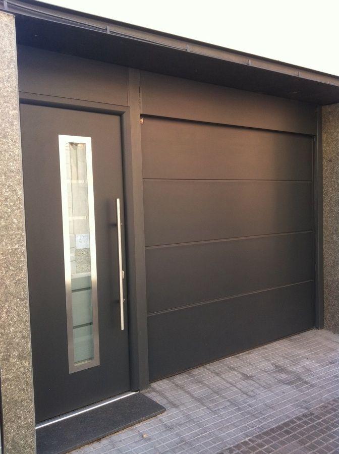 Puerta seccional casa pinterest fachadas cochera y - Puertas de cocheras ...