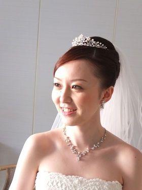 13c45f6b853d9 先輩花嫁・モデル事例 ヘッドドレス別・花嫁のヘアスタイル ティアラ編 ...