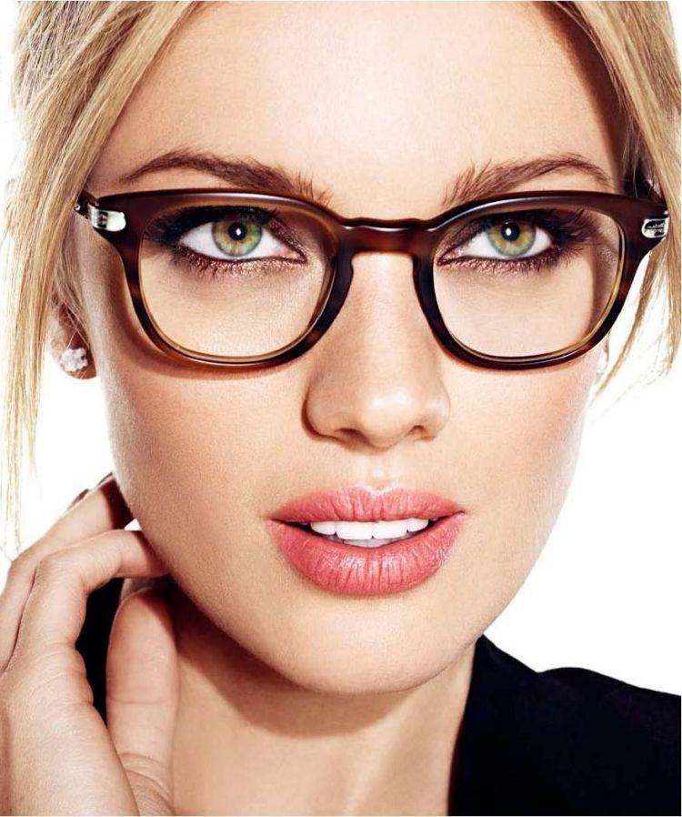 Schminken mit Brille -braun-weitsichtig-frau-schoen-blond-gruen ...