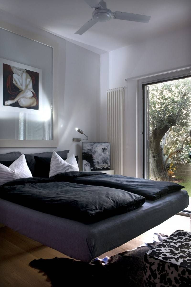 Casa Dartista Bedroom With Floating Bed -- http://kaamz.com/casa-dartista-bedroom-with-floating-bed/
