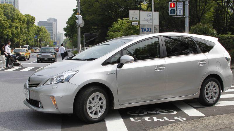 Toyota Prius Hybrid S Push Start Model 2014c C 1800price