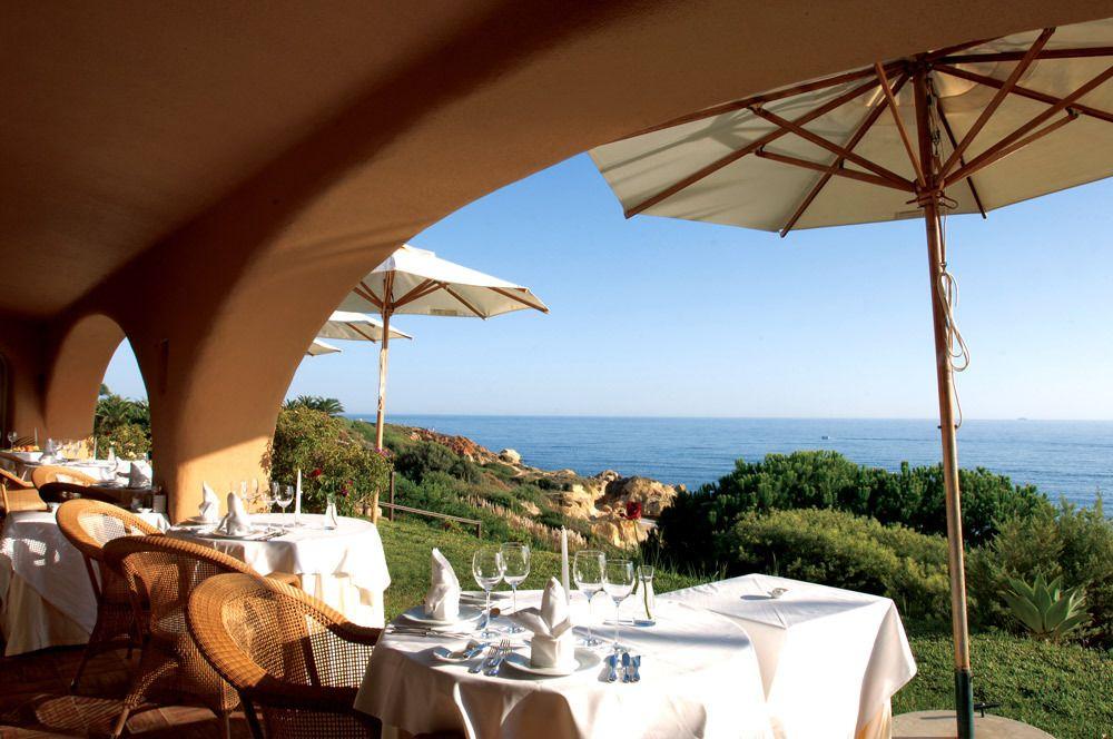 Plus qu'un simple cadre, une réelle expérience pour les yeux et les papilles. Visiter les plus belles tables grâce à Hôtel Charme et Caractère http://www.hotels-charme.com/
