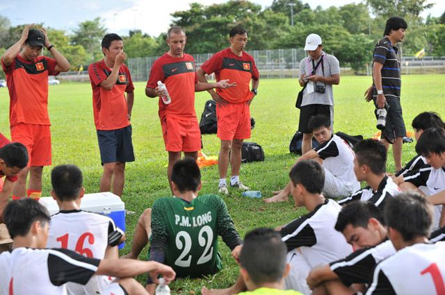 U19 Việt Nam có nguy cơ bị loại ở vòng bảng  http://ole.vn/tip-bong-da.html http://ole.vn/xem-bong-da-truc-tuyen.html http://xembongdatructuyen.vn/