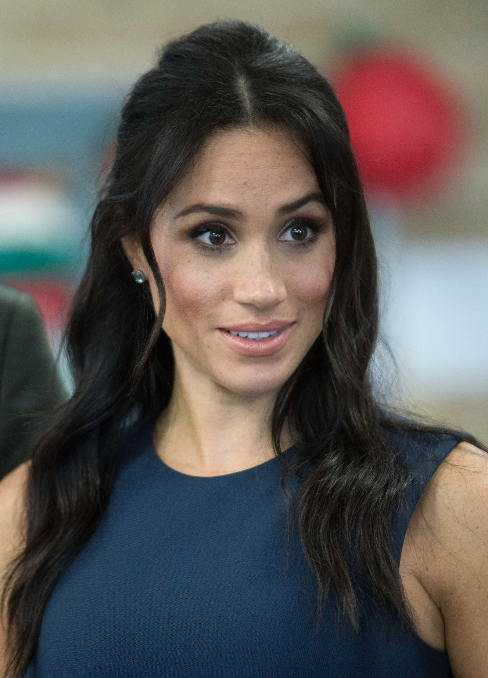 you re going to want to copy meghan markle s new hairstyle asap meghan markle hair hairstyle bump hairstyles meghan markle hair