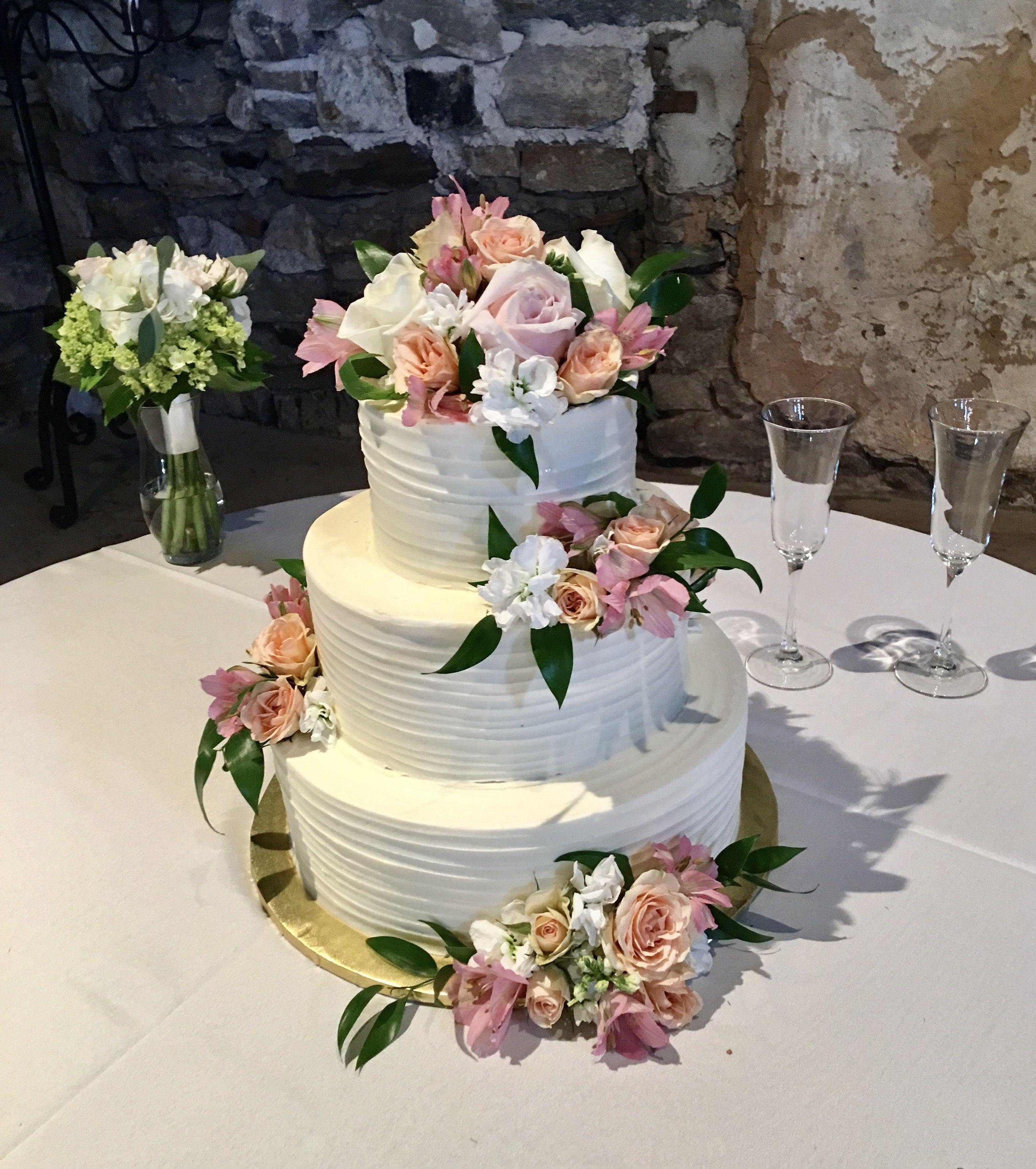 Wedding Cake Icing Types: Rustic Scraped Wedding Cake In 2019