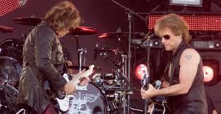 Op 5 en 6 juni 2001 deed Bon Jovi de Amsterdam ArenA aan voor zijn 'One Wild Night Tour', met in het voorprogramma Anastacia en Kane.
