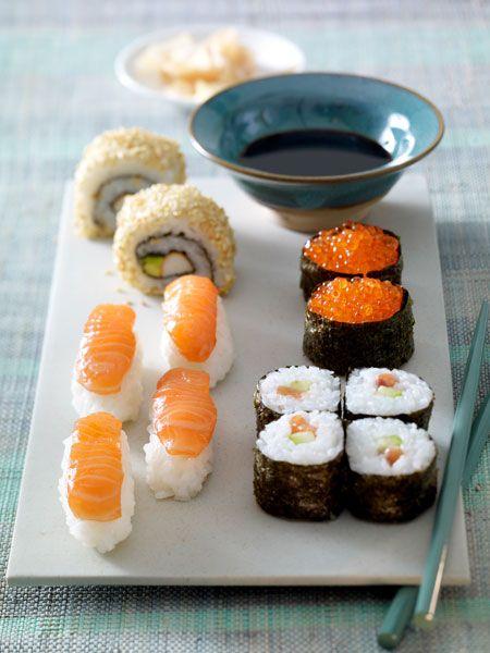 die besten 25 sushi essen ideen auf pinterest sushi backen s sses sushi und sushi kochen. Black Bedroom Furniture Sets. Home Design Ideas