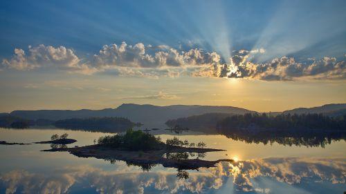 Pequenas ilhotas no lago mirror a - lago, reflexão, nuvem, sol, céu, água, árvore, Ilhota, Ilha, Floresta