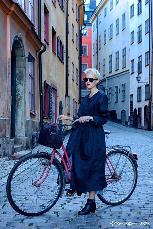 High-volume coat for city cycling. | Shared from http://hikebike.net