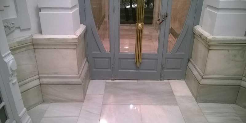 mSoluciones --> Fotos de pulido y abrillantado de mármol.