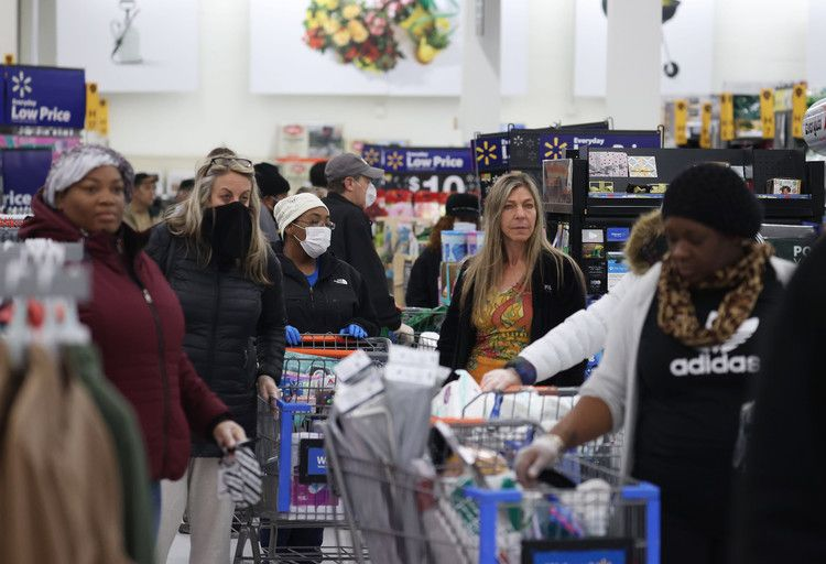 Economists say US in recession, but consumers expected to